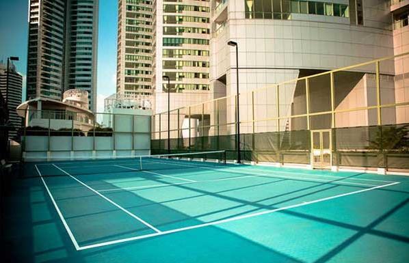 Millennium-Residence-Bangkok-tennis-courts-598x385