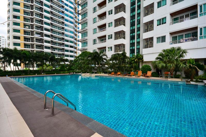 The-Residence-Sukhumvit-24-swimming-pool